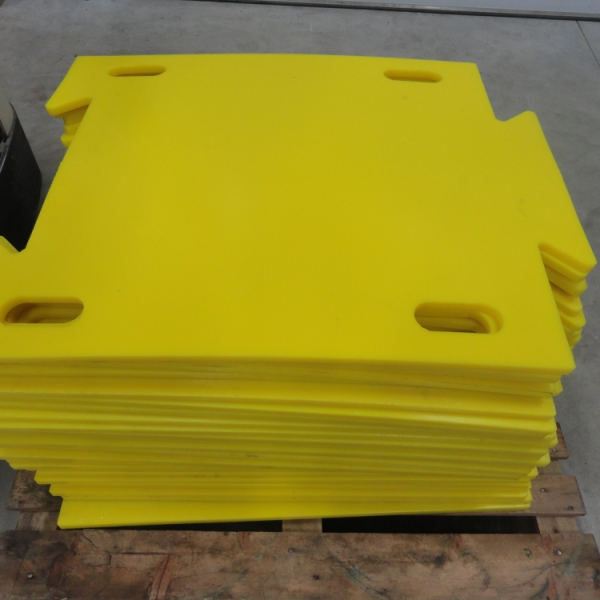Floor-protection-for-crawler-equipment